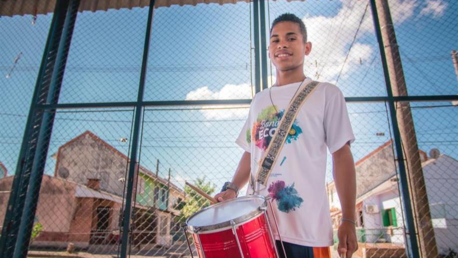 Desde 2012, a área Social da Rede Marista, em parceria com o Instituto Gerdau, desenvolve o projeto Banda Ecos no Centro Social Marista Irmão Antônio Bortolini, aliando arte, cultura e inclusão social com crianças e adolescentes de 6 a 15 anos.