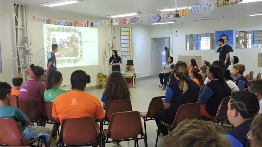 Jovens do curso de Turismo Ecológica apresentaram proposta de praça