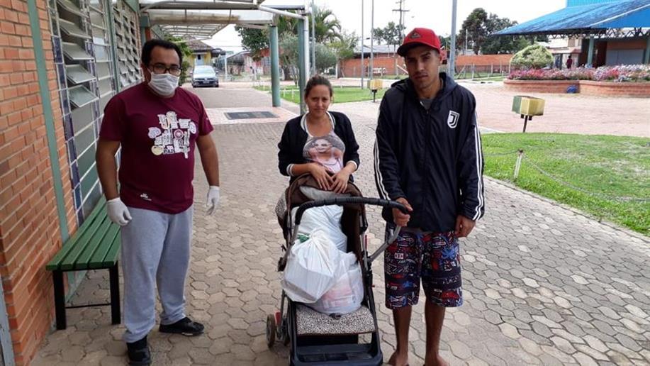 Campanha Adote Uma Comunidade reúne doações de alimentos de pessoas físicas e jurídicas para ajudar famílias em situação de vulnerabilidade social
