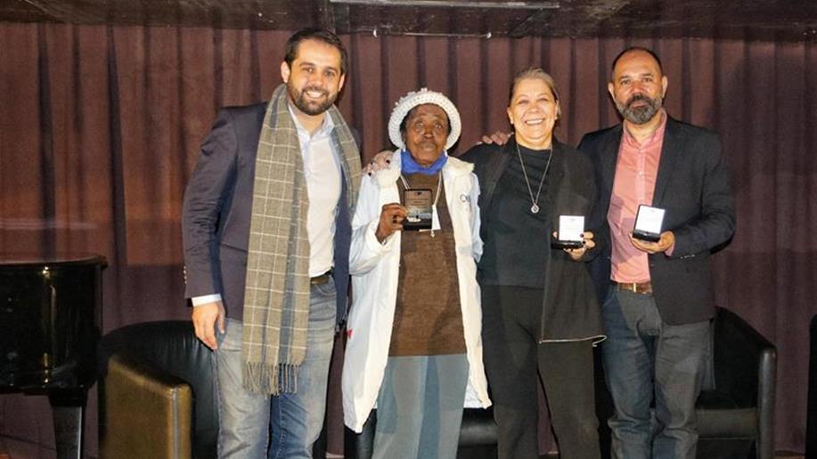 Maria Deloi Cardoso foi premiada durante a celebração dos 30 anos do Orçamento Participativo em Porto Alegre