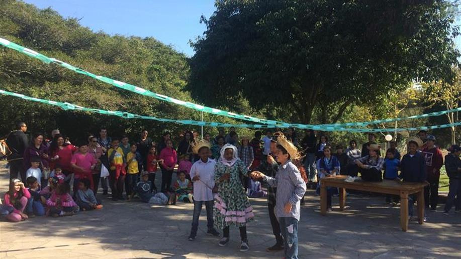 Mais de 200 pessoas participaram da festa