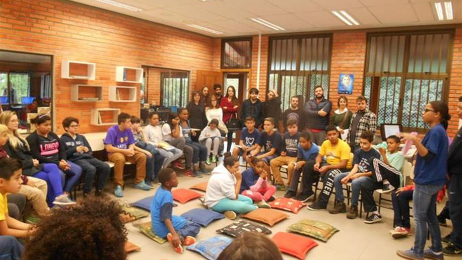 Educandos realizaram um sarau sobre solidariedade e paz