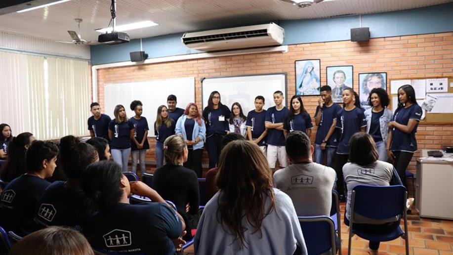 Conteúdo de apoio auxilia no entendimento dos jovens para o período prático