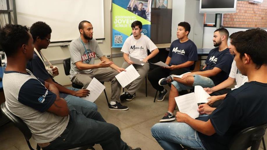 Neste mês iniciamos mais um projeto voluntário na nossa unidade, a Equipe de Robótica.