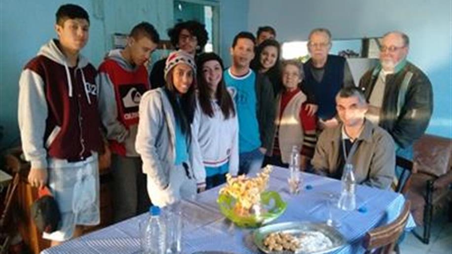 Visita à líder comunitária da Ilha da Pintada para coleta de informações sobre a história do local, tem como objetivo pesquisa, relacionamento e troca de experiências.