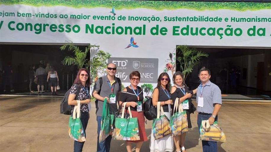 Colégio marca presença no V Congresso Nacional de Educação da ANEC.