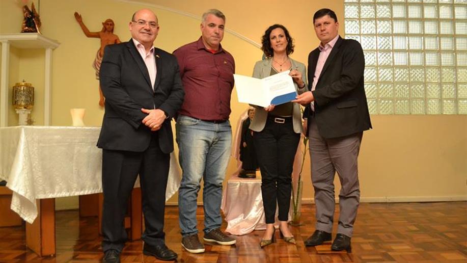 Viviane Chiarelli assume a direção do Marista Vettorello