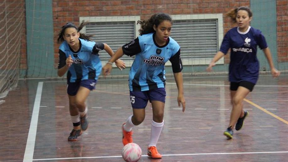 Integração e incentivo ao futebol feminino