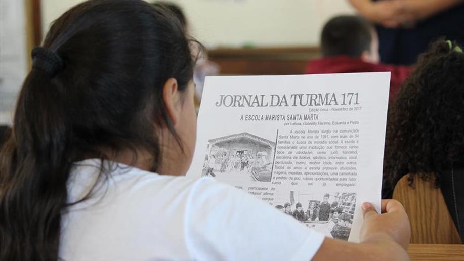 Estudantes dos 8º Anos relatam criação de jornal da comunidade feito em 2017